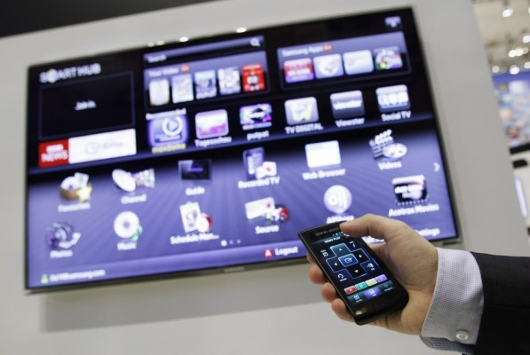 """Future of the Television World, """"Smart TV"""" Or """"IPTV Set-Top Box"""""""