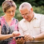4 Essential Android Apps for Seniors 600x400 1 - HiideeMedia