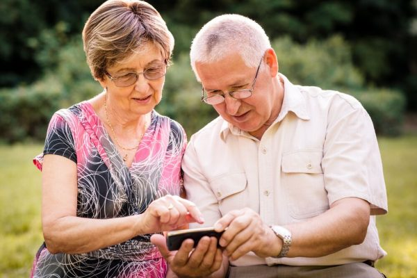 4 Essential Android Apps for Seniors
