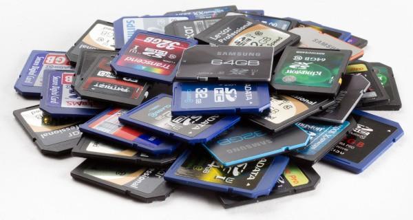 memory cards 2013 pile 1 - HiideeMedia