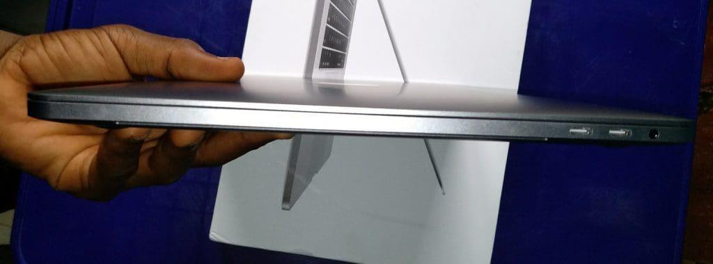 Macbook Pro TOuchbar side