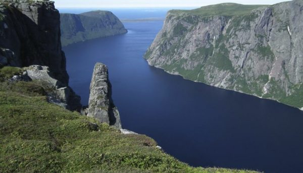 The Gros Morne National Park 600x343 - Top Beautiful Places in Canada for Holiday Sessions