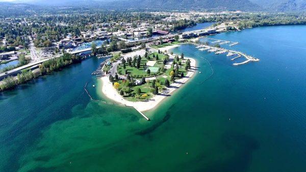 Sandpoint Idaho 600x338 - Explore North America's Stunning Lake Towns