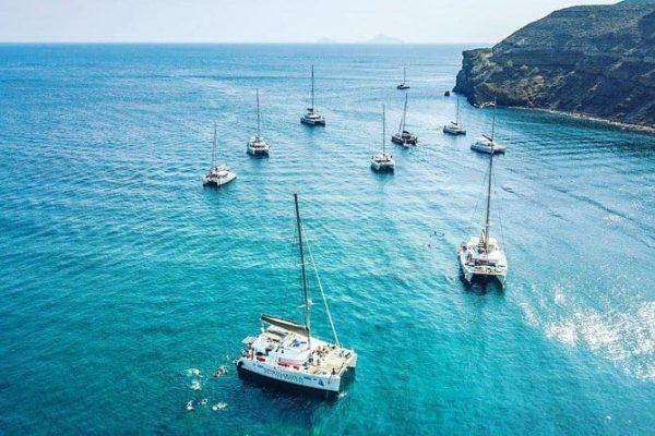 catanaran cruise santorini - HiideeMedia