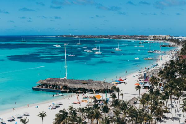 PALM BEACH ARUBA 600x400 1 - World Tropical Beaches to Visit