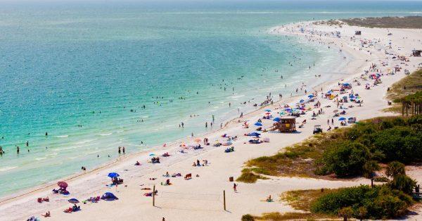 SIESTA BEACH 600x314 1 - Top Best Beaches in the U.S.A. to Visit