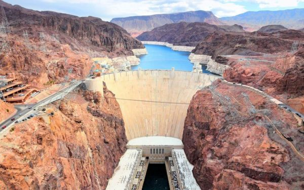 Hoover Dam Drive - Las Vegas Attractions