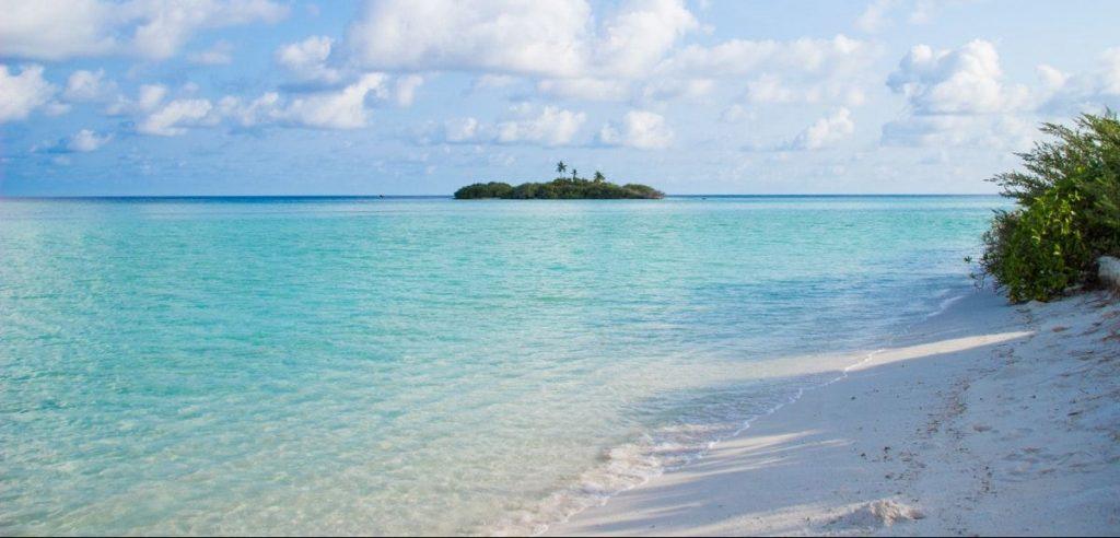 Rasdhoo Bikini Beach Maldives